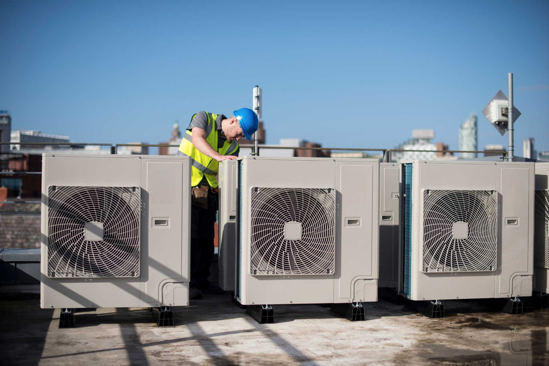 COMMERCIAL AIR CONDITIONING SERVICES REPAIR & MAINTENANCE